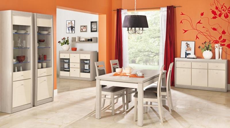 Kuchyňský stůl a židle s praktickými skříňkami a komodou mohou vhodně doplnit např. kuchyň v bílé barvě.